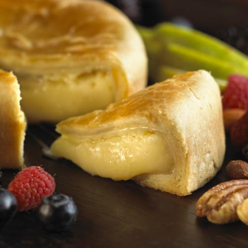 Baked Brie and Pastry closeup 3