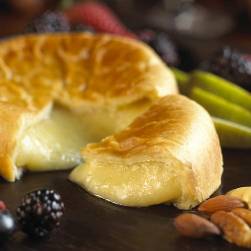 Baked Brie and Pastrycloseup