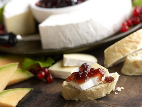 Breakfast Brie with Chutney