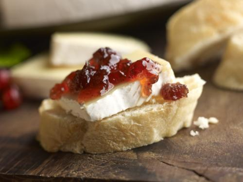 Breakfast Brie with Chutney 1