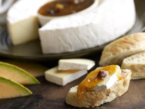 Breakfast Brie with apricot