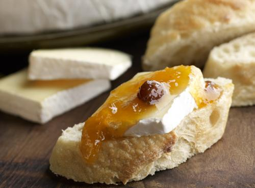 Breakfast Brie with apricot2
