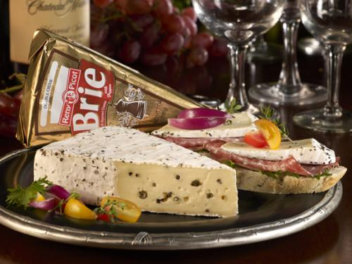 Pepper Brie beauty with product